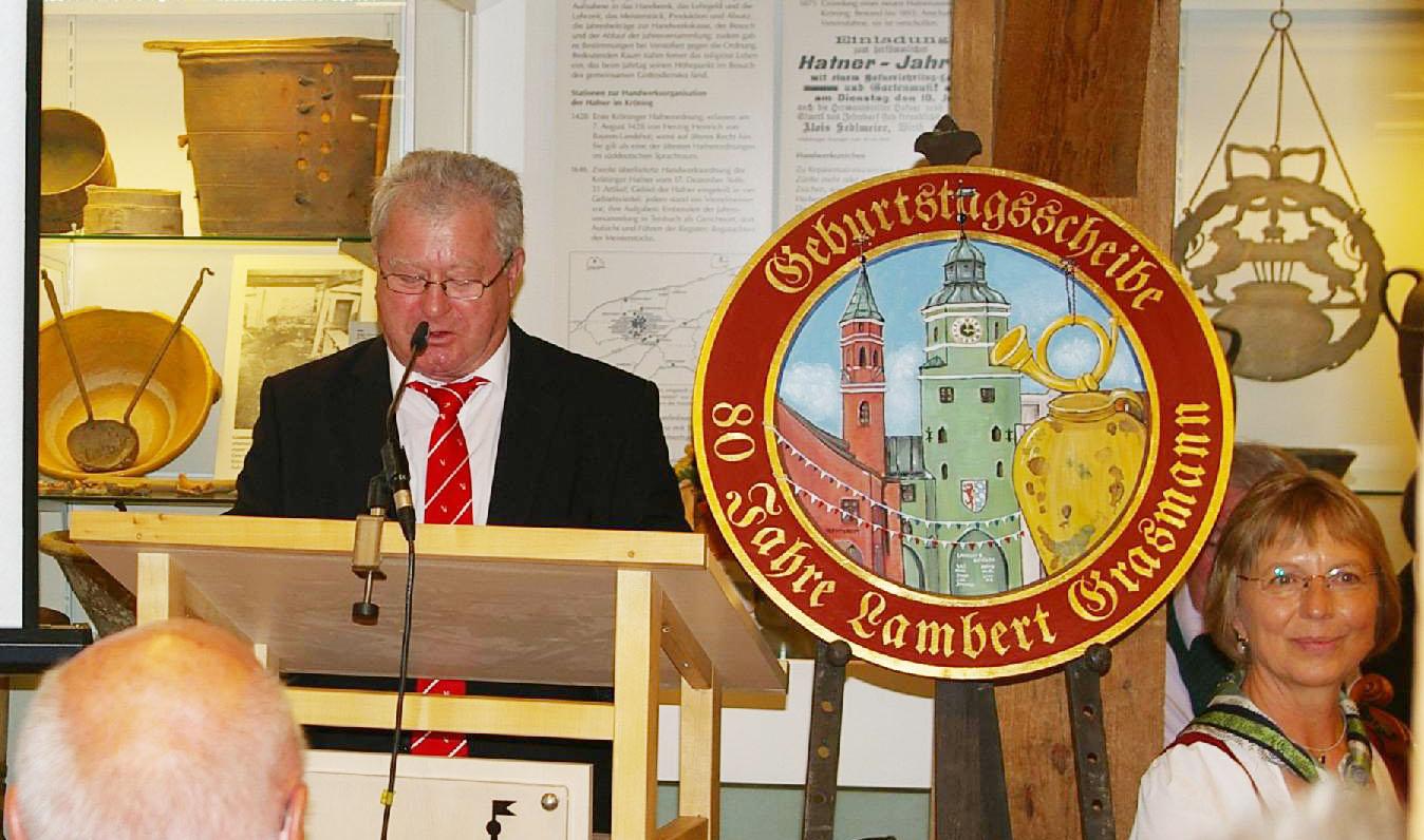 Zweiter Bürgermeister Johann Sarcher drückt seine Zufriedenheit aus, dass die Stadt mithelfen konnte, die Nachfolgefrage in Museum und Heimatverein überzeugend zu beantworten.